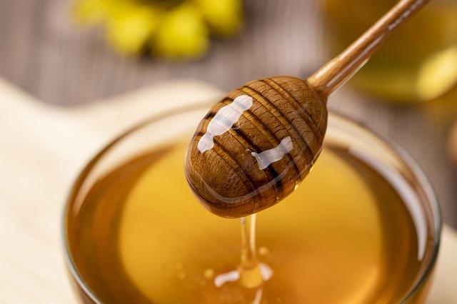 Honey - Best ingredient for face pack
